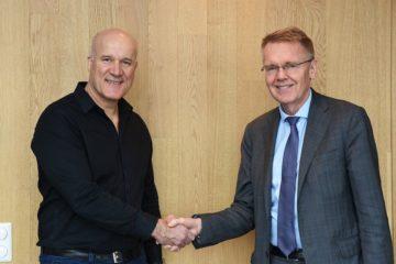 Administrerende direktør Leif Øie i GK Inneklima og Rune Arnhoff, styreleder i AET (Foto: GK Norge AS)